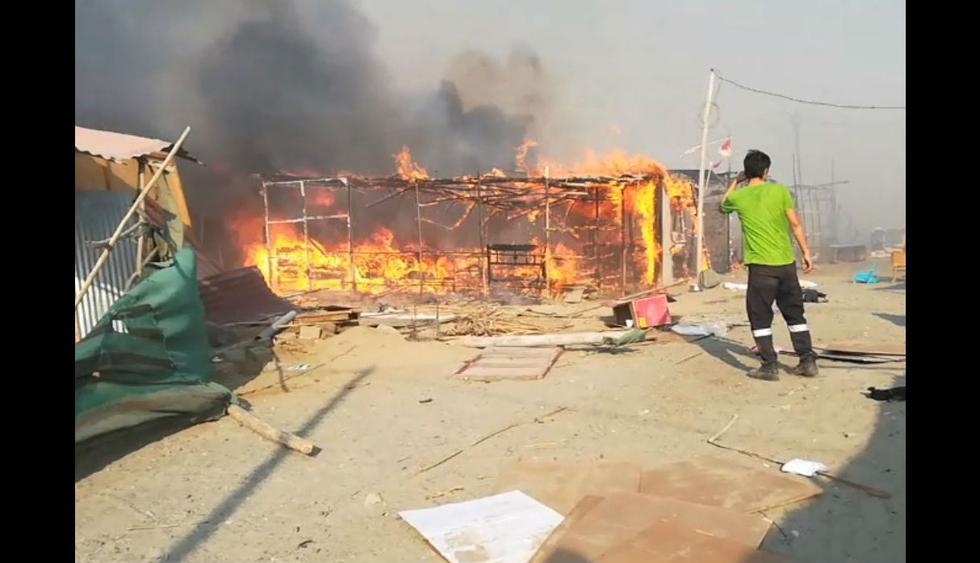 Fuego se extendió rápidamente y arrasó con cien casas.