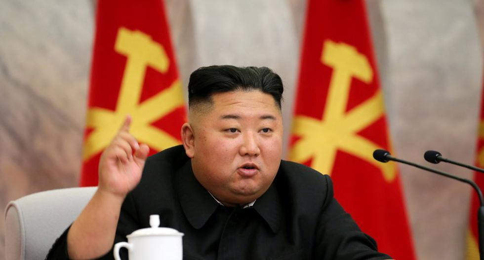 El líder norcoreano Kim Jong-un habla durante la conferencia del Comité Militar Central del Partido de los Trabajadores de Corea en esta imagen publicada por la Agencia Central de Noticias de Corea del Norte (KCNA) el 23 de mayo de 2020. (Reuters/KCNA).