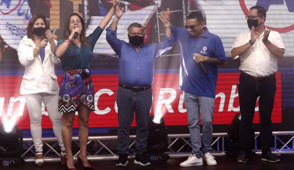 El líder de Alianza por el Progreso (AP) presentó a su plancha presidencial junto a los candidatos al Congreso. El salsero Josimar sorprendió al ponerse la camiseta del partido y animar el evento.