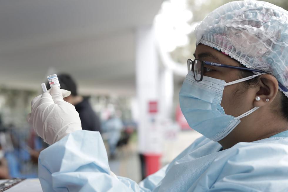 Este martes 31 de agosto inició la vacunación contra el coronavirus (COVID-19) a personas de 34 y 35 años de Lima Metropolitana, Lima región, el Callao e Ica. La jornada se desarrolla en más de 60 puntos de inmunización. (Foto: Jessica Vicente/@photo.gec)