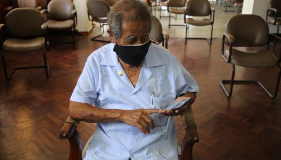Piura: artesanos de 88 y 79 años incursionan en las redes sociales para vender sus productos (Foto: difusión)