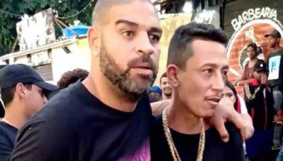 'El emperador' Adriano fue fotografiado en una favela de Río de Janeiro . (Video: Twitter / Fabia Oliveira)