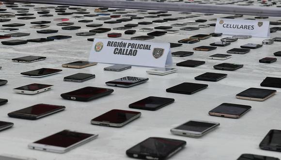 Hoy se presentaron más de 2 mil celulares incautados por la Policía Nacional.  (Foto: PNP)