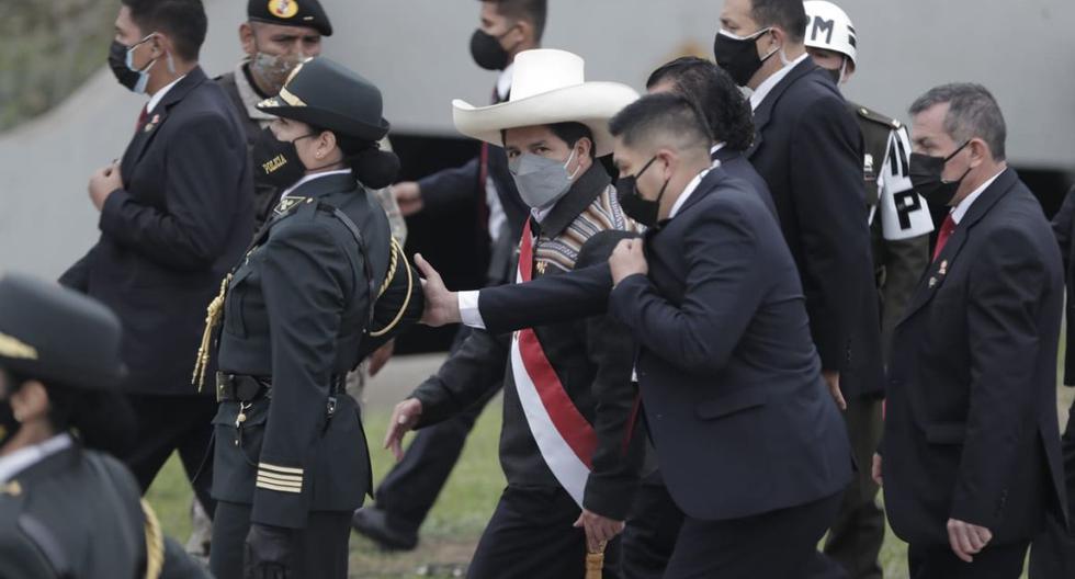 El presidente Pedro Castillo se retiró sorpresivamente de la Parada Militar antes de que terminara el evento en San Borja. (Foto: Renzo Salazar/GEC)