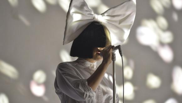 Sia permitió el uso y comercialización de sus canciones a Rebeca Godoy, una mexicana que sufre cáncer de mama terminal. (Foto: AFP)