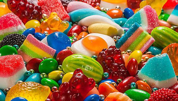 Conoce las precauciones a tener en cuenta si sufres diabetes y los alimentos a evitae. (Foto: iStock)