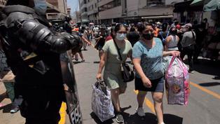Peligrosas aglomeraciones en Mesa Redonda y Gamarra tras reinicio de actividades