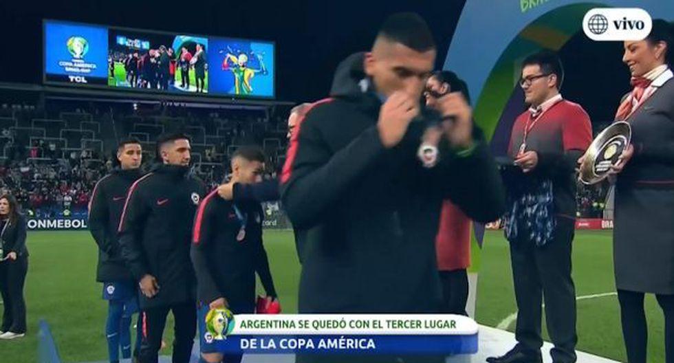 Jugadores de la Selección de Chile se quitaron medalla de cuarto lugar en la Copa América 2019