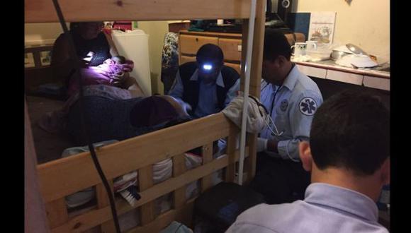 Una madre dio a luz tras ser bajada por los bomberos con una escalera telescópica en Surco.