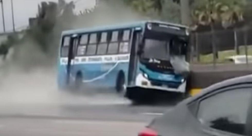 Ate: Bus de 'El Chino' se despista tras hacer 'carreras' con otra unidad de la misma empresa