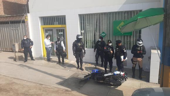Agente de seguridad se enfrentó a asaltantes y estos le robaron su arma y le dispararon en la cabeza.