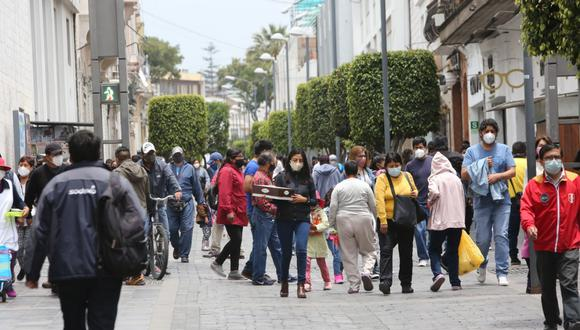 Médicos sostienen que arequipeños no cumplieron con cuarentena tal como se esperaba (Foto: Leonardo Cuito/GEC)