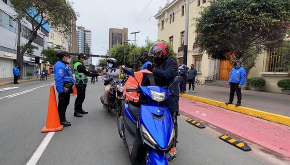El municipio de Mirafores realizó operativos para someter a pruebas rápidas de COVID-19 a repartidores. (Foto: Municipalidad de Miraflores)
