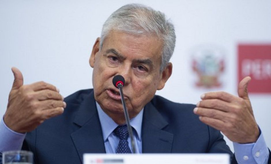 Ex presidente del Consejo de Ministro César Villanueva. (Photo by LUKA GONZALES / AFP)