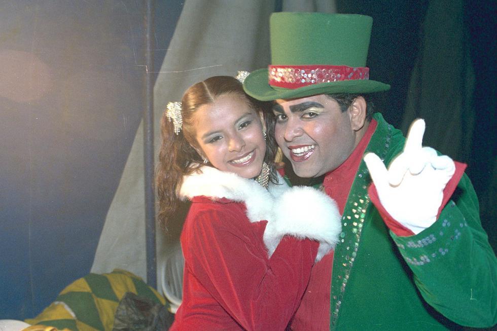Andrés Hurtado con su hija Yossetty en su temporada de circo el año 2003. (Foto GEC Archivo)