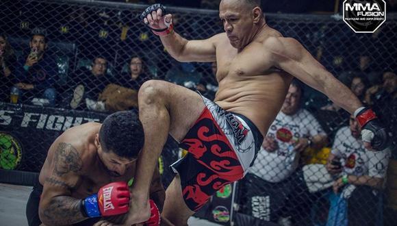 Jackson Mora y un nocaut que valió un título, ante el argentino Ottaviano. (Foto: Facebook MMA Fusión)