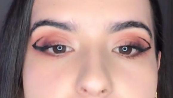 El delineado de ojos flotante es una de las tendencias de maquillaje para este 2021. (Foto: @avon_per / Instagram)