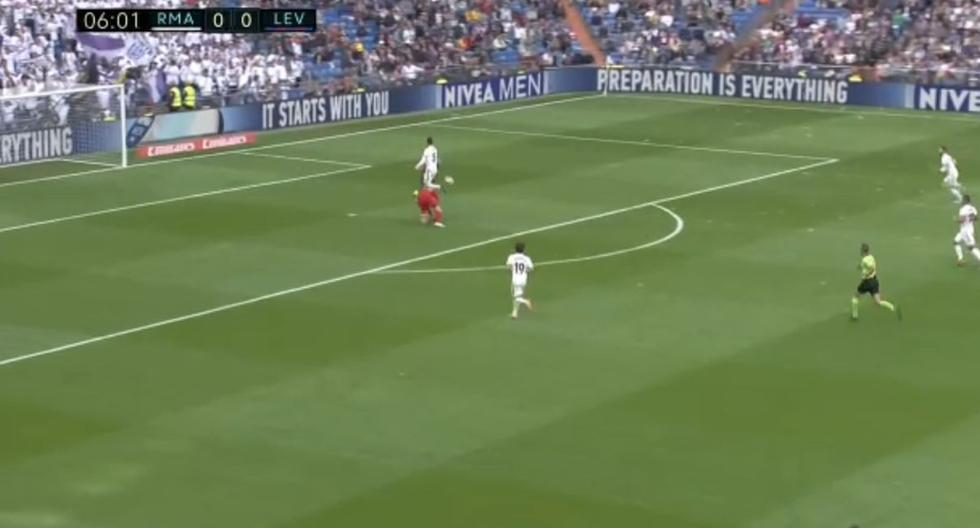 Gol de Morales en el Real Madrid vs Levante
