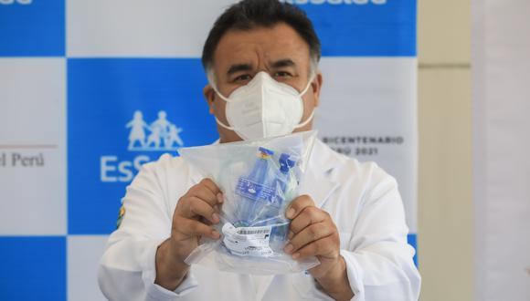 Estos equipos clínicos permiten que las personas que requieren soporte de oxígeno o ventilación, eviten su paso por la Unidad de Cuidados Intensivos (UCI) (Foto: EsSalud)