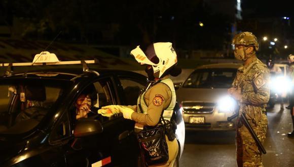 La Policía y las Fuerzas Armadas ejecutaron un operativo en la avenida Javier Prado. (Jesus Saucedo/@photo.gec)