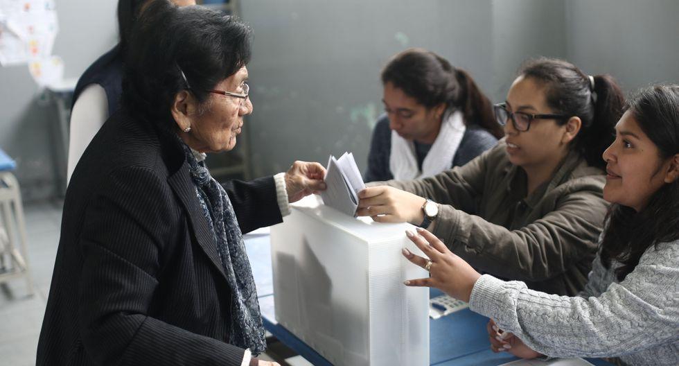 Los miembros de mesa, titulares y suplentes que no cumplan con su deber cívico electoral recibirán una multa única de S/210. (Foto: GEC)