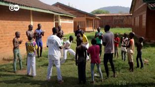 Capoeira: El arte marcial que ayuda a los huérfanos africanos