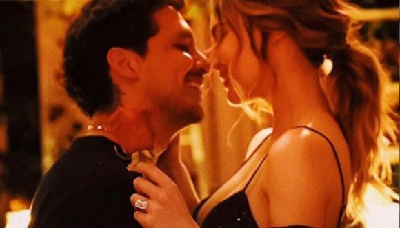 Belinda acompañó a Christian Nodal en su concierto en Las Vegas y se dieron tierno beso en el escenario. (Foto: Belinda / Instagram)