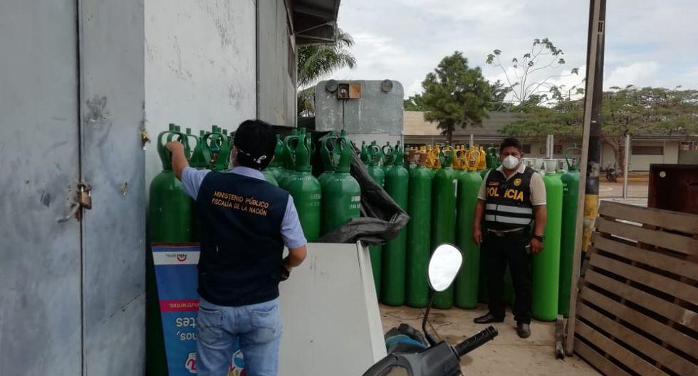 Ucayali. Policía allanó esta tarde las oficinas de la DIRESA por la presunta compra irregular de 100 balones de oxígeno. (PNP)