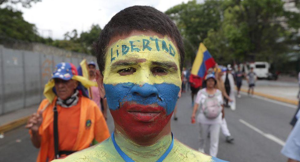 Guaidó pide a la Fuerza Armada de Venezuela respaldar un gobierno de transición. (Foto: EFE)