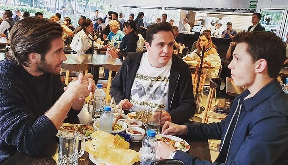 Tom Holland y Jake Gyllenhaal son captados comiendo tacos en Ciudad de México. (Foto: @RicardoO'Farrill)