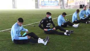 Maxi Gómez y De Arrascaeta se sumaron a los trabajos de la selección uruguaya