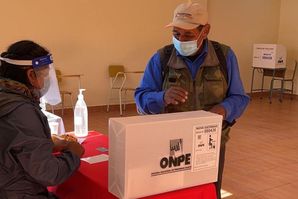 Peruano residente en Bolivia participa de las elecciones 2021. (Captura de pantalla/ Cancillería Perú).