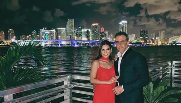 Carlos Ponce y Karina Banda ha ido de viaje a diferentes países ara disfrutar su amor (Foto: Intagram)