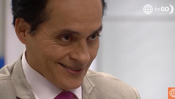 """El profesor Rocha en """"De vuelta al barrio"""" no es de la simpatía de todos los vecinos por su carácter (Foto: América TV)"""