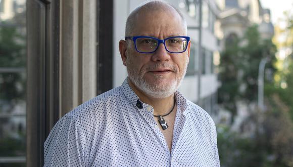 'Como si nos tuvieran miedo' es la tercera novela de Juan Carlos Cortázar. (Foto: Sergio López Retamal)