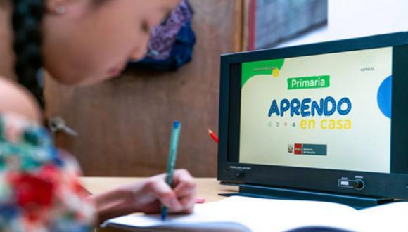 Según el semáforo escuela, el 34,5 % de las familias utiliza WhatsApp como principal instrumento de comunicación y contacto para reforzar y retroalimentar 'Aprendo en casa. (Foto archivo: Andina)
