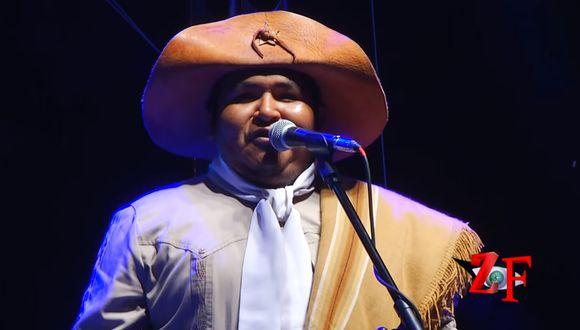 Escenario cae encima de cantante de Los Criollos de Jujuy en Argentina.