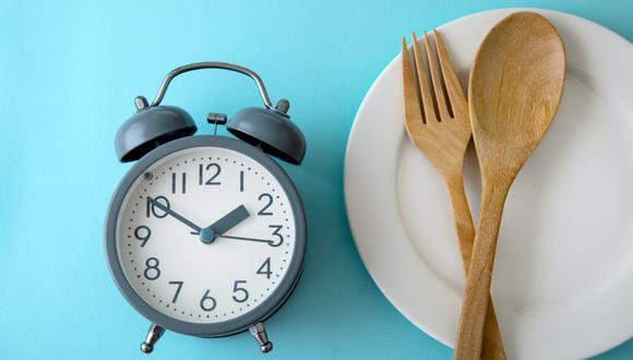 Para empezar a hacer ayuno intermitente, debes ir paso a paso. Puedes empezar con 8-12 horas sin consumir alimentos. (Foto: GEC)
