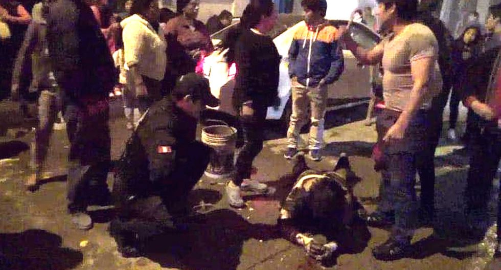 Vendedora ambulante de comida grave tras ser rociada con gasolina y quemada por sujeto que logró huir. Foto: Facebook / Cajamarca Reporteros