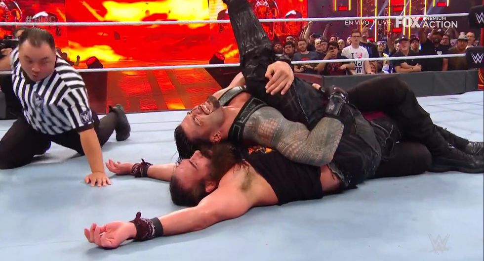 Reigns y Bryan unidos son una fuerza imparable. (Captura Fox Action)