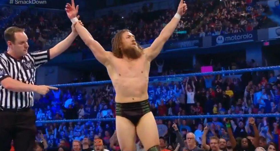 Daniel Bryan y Roman Reigns forman una combinaci+pm