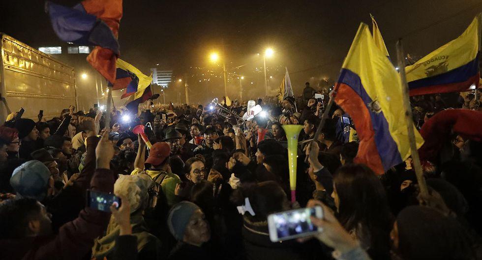 Cuando conocieron la noticia, miles de ecuatorianos salieron a las calles. (Foto: EFE)