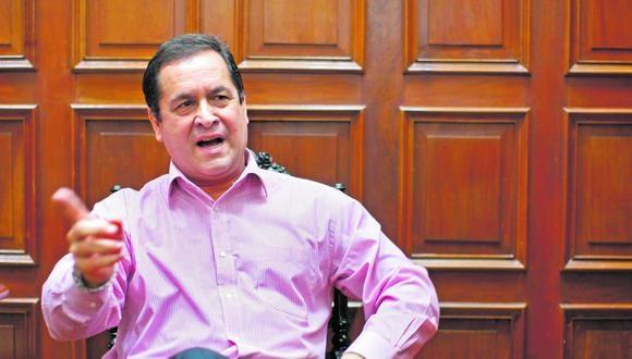 El excongresista y periodista Luis Iberico aseguró que no se puede permitir en un país democrático como el nuestro las amenazas hacia la prensa por parte de ciertos voceros de Perú Libre.