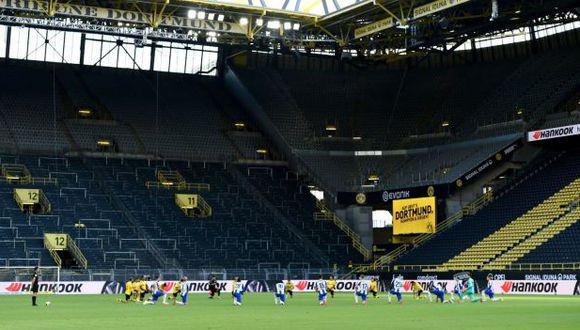 El homenaje de Borussia Dortmund y Hertha Berlin por la muerte de George Floyd. (Foto: Borussia Dortmund)
