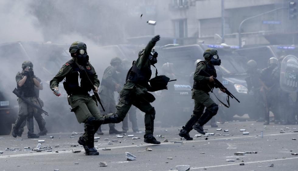 Disturbios fuerzan a Congreso argentino suspender sesión sobre reforma de pensiones. Fotos: Agencias