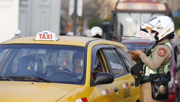 Ciudadanos podrán circular en autos particulares este domingo 29 de agosto. (Foto: Violeta Ayasta / @photo.gec)