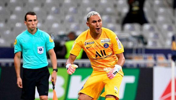 Keylor Navas atajó el sexto penal de Lyon en la final para PSG