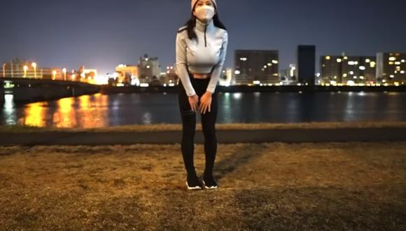 Los seguidores de Muneniku Chiharu descubrieron que en realidad era un hombre con pechos postizos. (Foto: むね肉ちはる / YouTube)