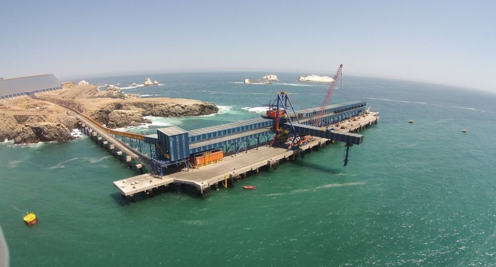 Embarcación 'Virgo Confidence' llegó al puerto Matarani, en Arequipa, proveniente de Hong Kong. (Foto: Andina/referencial)