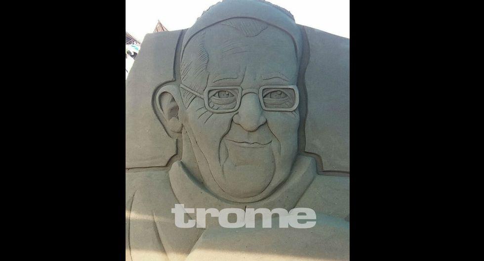 Esculturas de arena El papa Francisco, Paolo Guerrero, La Medusa, sirenas, personajes de películas y dibujos animados son parte de la obra de Rubén Rebatta. (Foto: Trome)